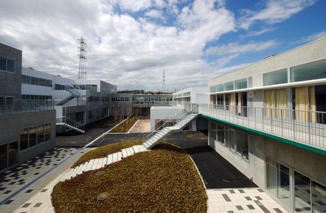 あかね台中学校   Akanedai Junior High School