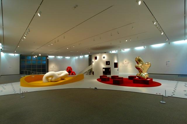 ごろごろコロン?ちょうこくとなかよし? | Loafing and Rolling Around?Let's Meet the Sculptures?